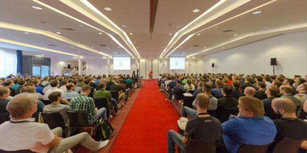 Gefüllter Vortragssaal beim JUG Saxony Day 2017