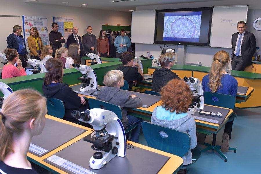 Zeiss mikroskope für das otto schott gymnasium in jena mikroskopie