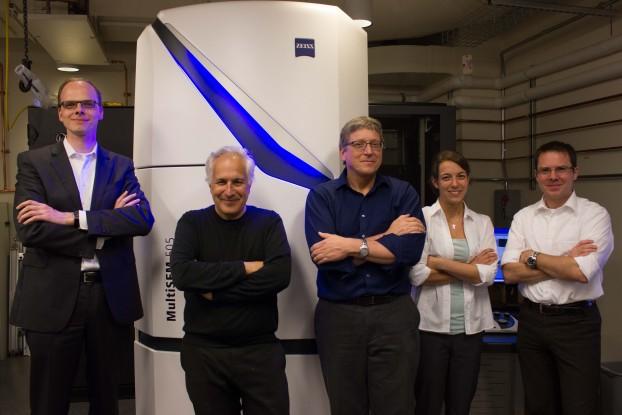 Gregor Dellemann (ZEISS), Jeff Lichtman (Harvard CBS), Richard Schalek (Harvard CBS), Nicole Bengesser (ZEISS), Pascal Anger (ZEISS)