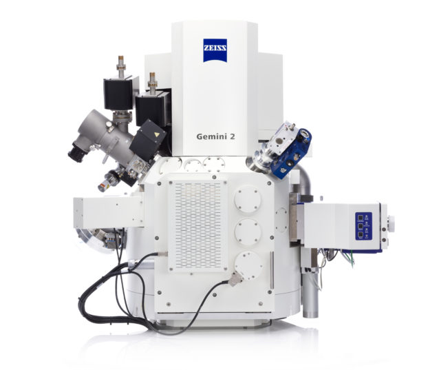 ZEISS Crossbeam 550 L with large volume chamber