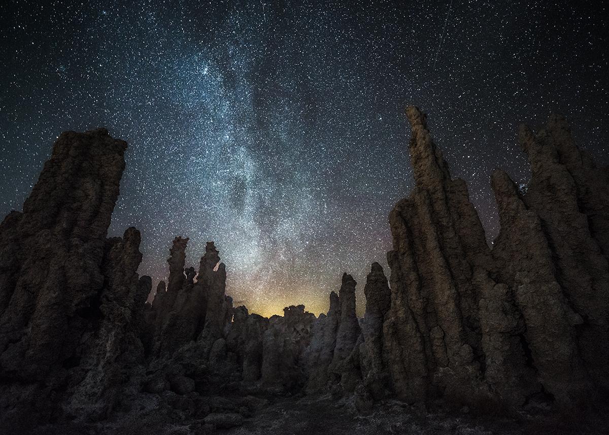Lichter am Nachthimmel – Verloren in einer anderen Welt